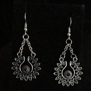 Jewelry - SILVER TONE ROUND EARRINGS w/ BLACK BEAD /CHAINS